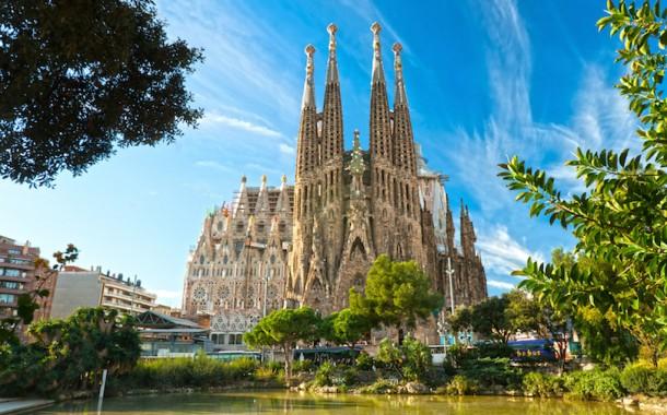 3 – 11 Gusht, Tur dhe Plazh në Barcelonë