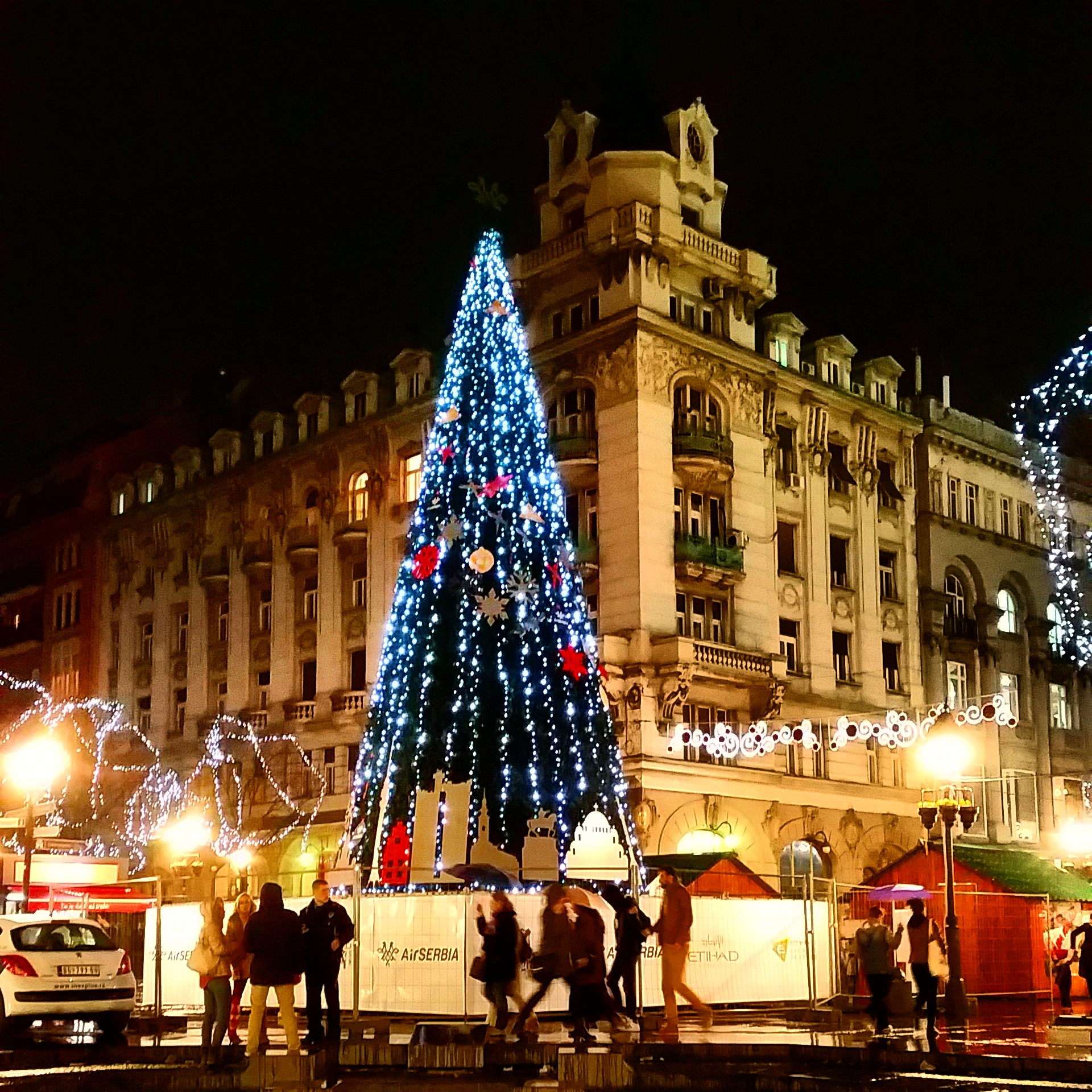 Festoni Krishtlindjet ne  Beograd
